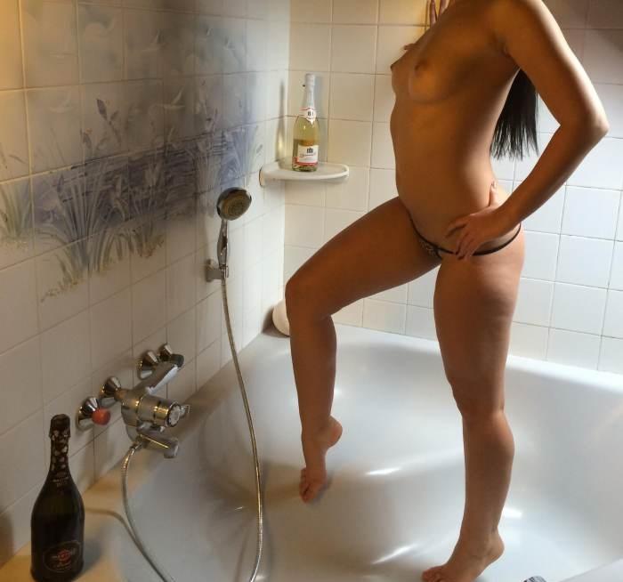 22χρονη Ελληνίδα Γυμνάστρια Βερόνικα 6989669006 - Εικόνα1